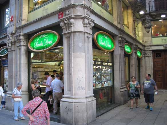 One of the oldest operating businesses along the Avinguda del Portal de l'Angel.